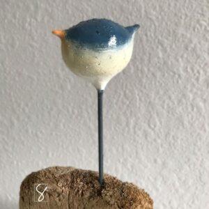 bird sculpture - junco - by sue kemnitz