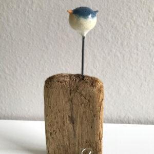 junco bird sculpture by artist Sue Kemnitz